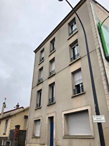 CHAMPIGNY-SUR-MARNE APPARTEMENT F2 + CAVE + PARKING