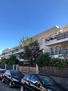 NOISY LE GRAND - quartier  La Varenne -  APPARTEMENT F2  + PARKING
