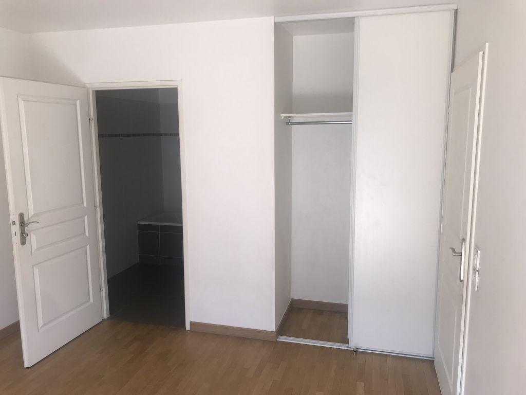 NOISY LE GRAND 93 - APPARTEMENT F2 + BOX EN SOUS-SOL 4/9