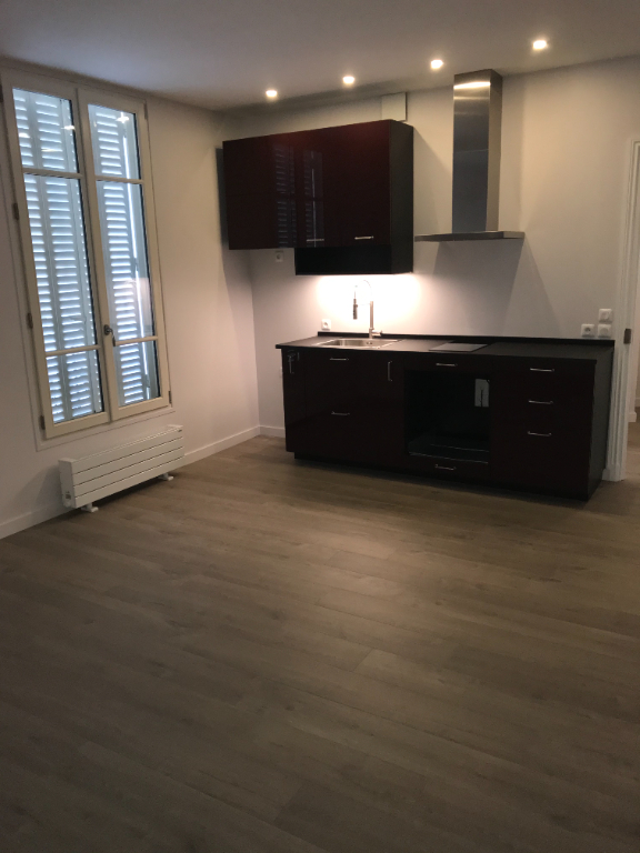 APPARTEMENT F2  CENTRE VILLE 4/7
