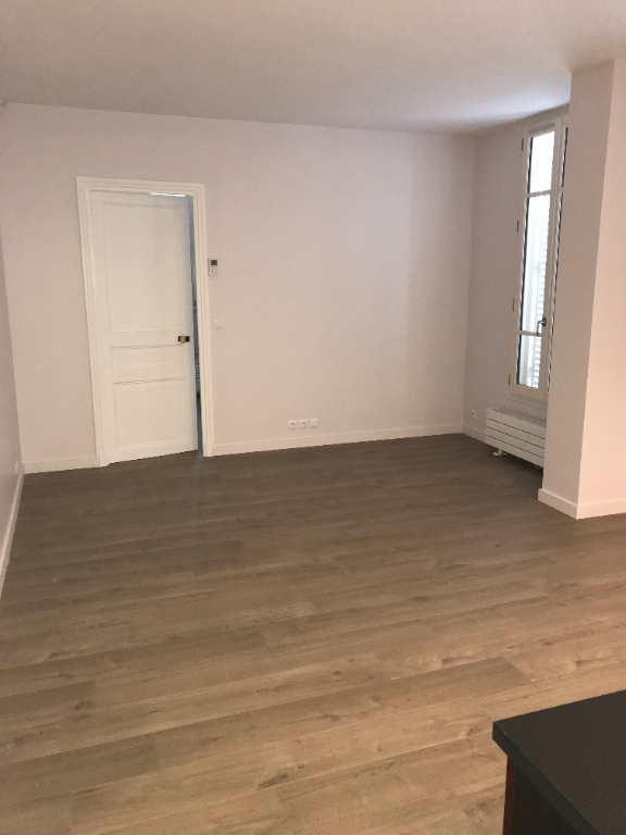 APPARTEMENT F2  CENTRE VILLE 6/7